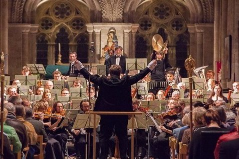 orchestra-concert romsey-abbey-477x318